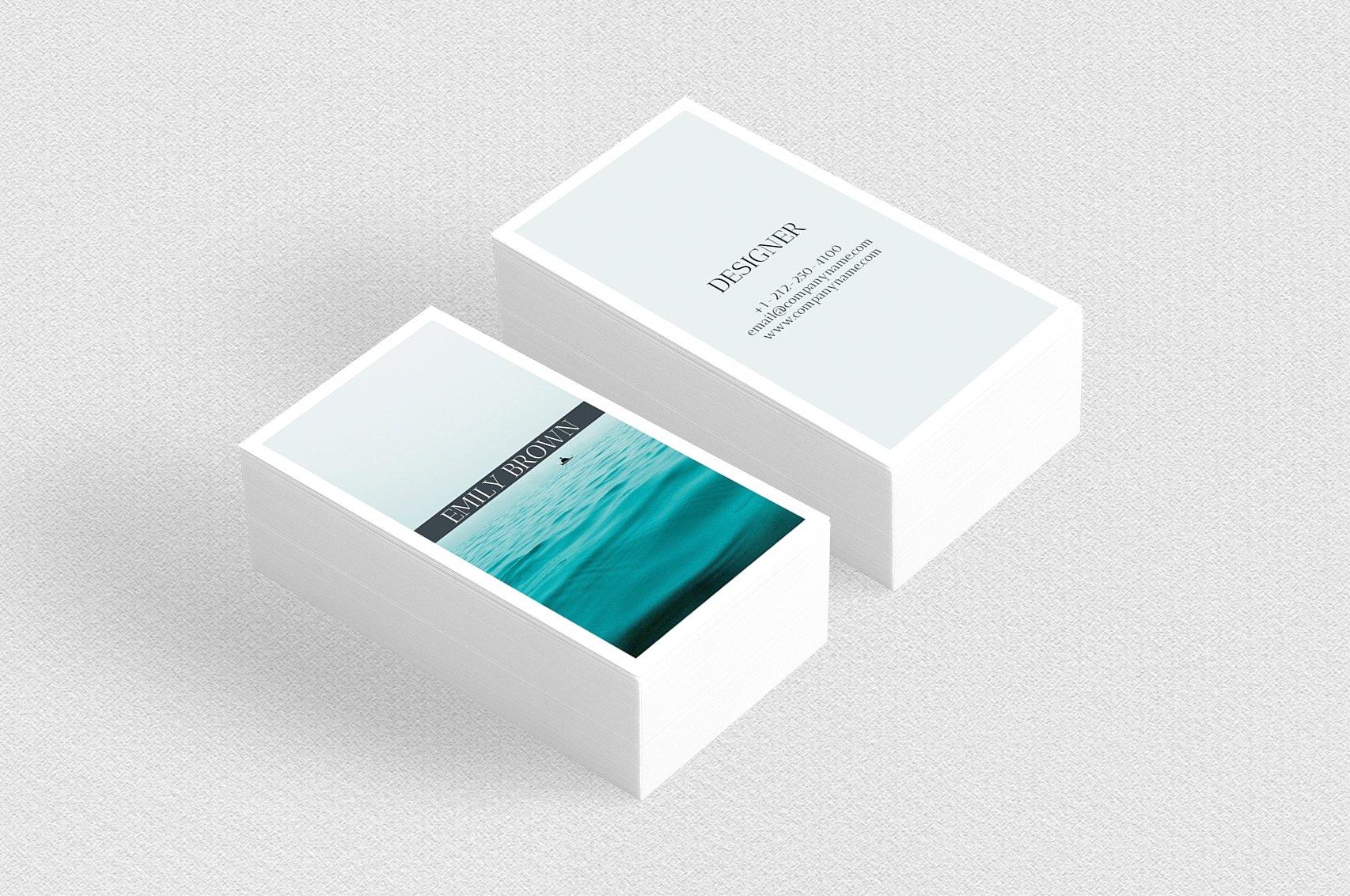 Biglietto da visita verticale minimale con immagine